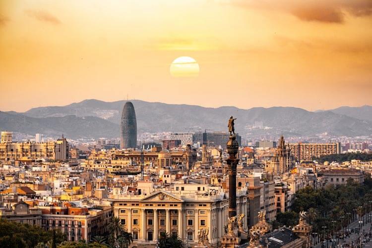 Comprar pisos de lujo en Barcelona amanecer