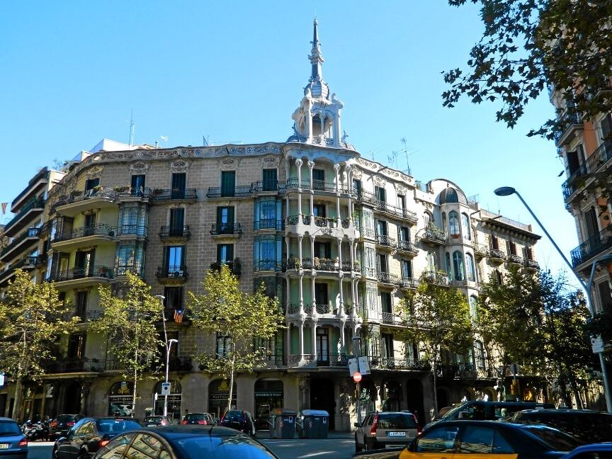 Архитектура Эшампле. Недвижимость в Барселоне. Квартира в Барселоне