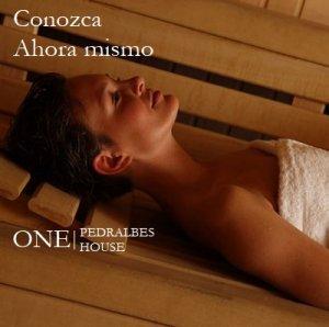 Pisos-lujo-Barcelona-chica-sauna-seca-One-Pedralbes-House