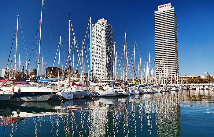Puerto Olimpico, Здания и недвижимость в Барселоне
