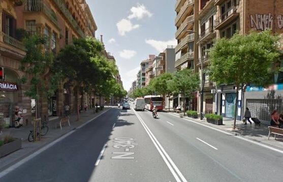 Улица и здания в Сантс. Недвижимость в Барселоне выгодная инвестиция