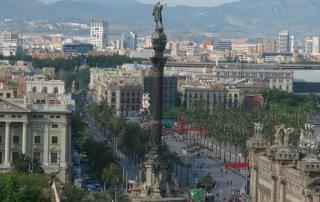 Vivienda en Barcelona, estatua de Colón.