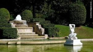 Fuente del Palacio de Pedralbes. Pisos Pedralbes. Pisos zona alta Barcelona