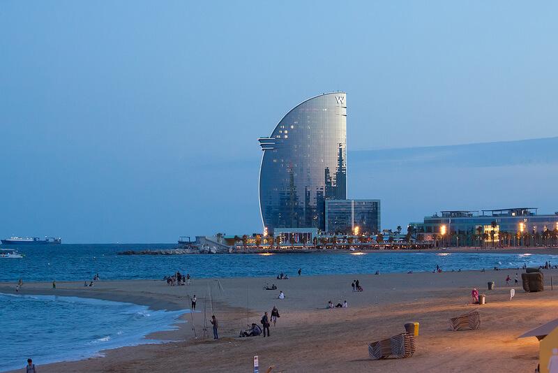 Hotel Vela. Купить недвижимость в Барселоне.