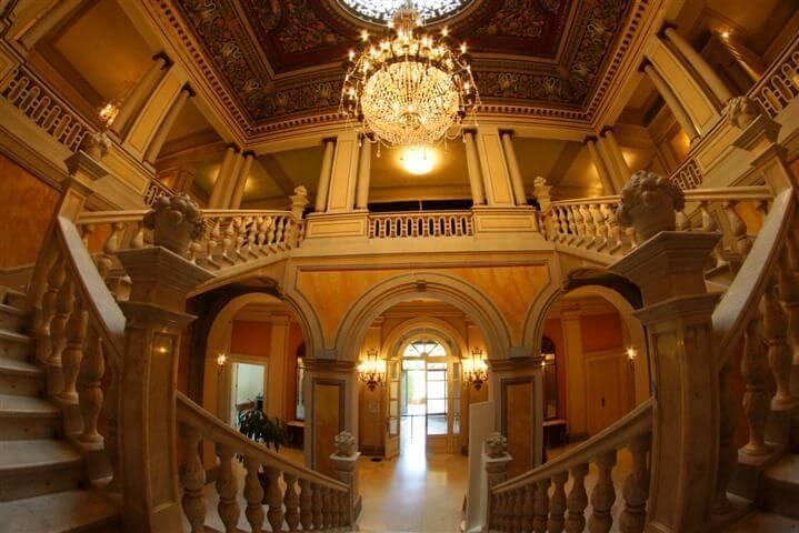 Pisos en Pedralbes, interior del palacio de Pedralbes